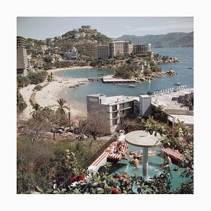 Slim Aarons, Caleta Beach, Imprimé C Oversize Encadré Blanc, 1961