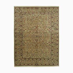 Traditioneller handgewebter antiker Antiker Oushak Teppich in Beige