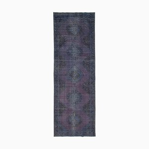 Türkischer Handgemachter Türkischer Überfärbter Teppich in Lila