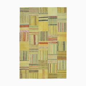 Türkischer Handgeknüpfter Kelim Patchwork Teppich aus Wolle in Gelb