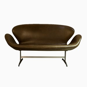 Vintage 3321 Sofa by Arne Jacobsen for Fritz Hansen super Patina