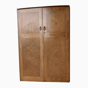 Armario doble vintage de madera maciza con cajones y espejo completo con ruedas de Ercol