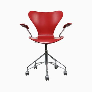 Roter Modell 3217 Drehstuhl von Arne Jacobsen für Fritz Hansen