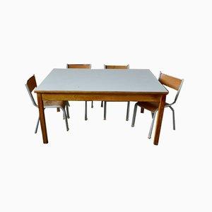 Juego de mesa y sillas infantil vintage. Juego de 5