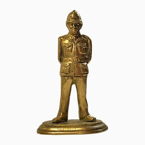 Bronzeskulptur eines britischen Polizeibeamten, 1946