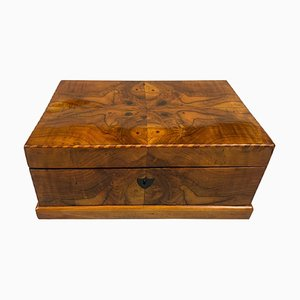 Biedermeier Box in Walnut Veneer and Maple, Austria, 1820s