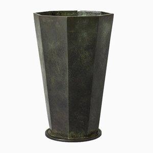 Vase aus patinierter Bronze von GAB