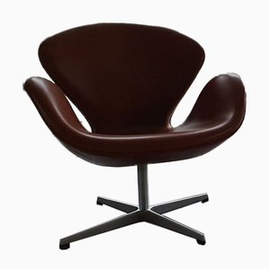 Swivel Swan Chair in Walnut Leather by Arne Jacobsen for Fritz Hansen, 2000s
