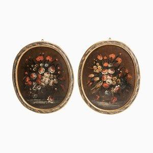 Dipinti a forma di nature morte in vetro laccato ovale, fine XVII secolo, set di 2