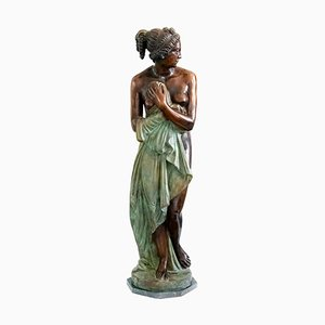 Escultura femenina italiana grande de bronce sobre base de mármol verde, años 50
