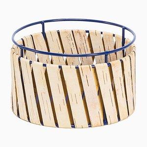 Cesta Korob pequeña de alambre azul con revestimiento de corteza de abedul de Moya