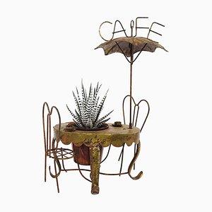 Miniature en laiton vintage d'une table de café de trottoir parisien, chaise et parasol