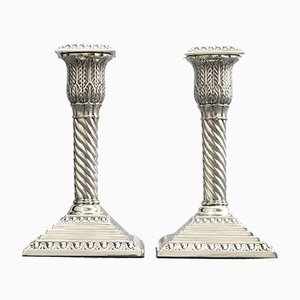 Antike silberne Kerzenhalter von Walker and Hall, 2er Set