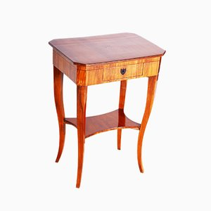 Small Walnut Biedermeier Side Table, Austria, 1810s