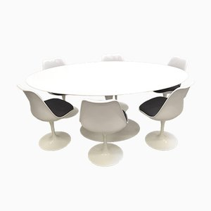 Oval Tulip Dining Table and Chairs by Eero Saarinen for Knoll International, 1990s