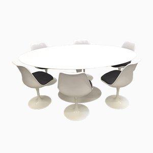 Tavolo da pranzo ovale e sedie Tulip di Eero Saarinen per Knoll International, anni '90