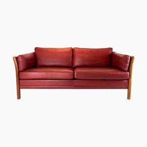 2-Sitzer Sofa mit Bezug aus indischem rotem Leder im dänischen Design, 1960er