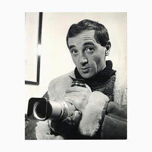 Sconosciuto - Charles Aznavour Photographer di Pietro Pascuttini - Vintage Photo - 1960s