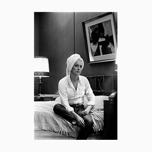 Impresión de pigmento de archivo Catherine Deneuve enmarcado en blanco de Giancarlo Botti