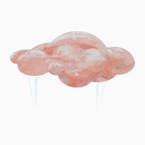 Handgefertigter rosa Scagliola-Couchtisch mit Wolkenform und weißen Holzbeinen von Cupioli Luxury Living