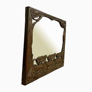 Specchio in rame goffrato nello stile di François-Rupert Carabin
