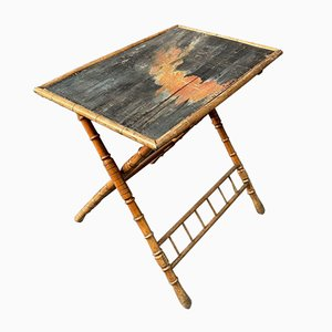 Table pliante en bois peint français