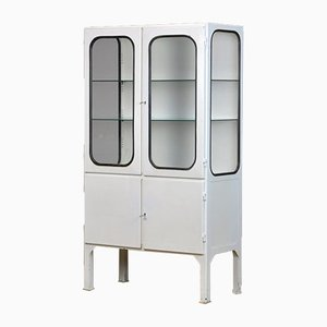 Vintage Glas und Eisen Medical Cabinet, 1970er Jahre