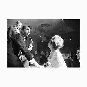 Frank, Dino et Nancy à Vegas encadrés en blanc par Phillip Harrington