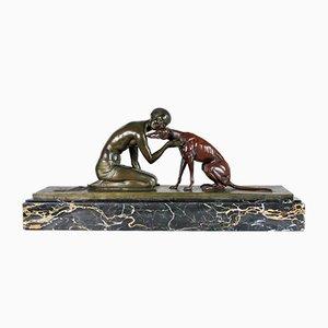 J Lormier, Frau und Sitzender Windhund, 20. Jahrhundert, Bronze