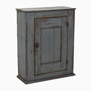 Alacena francesa antigua pintada de una puerta