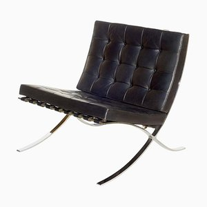 Barcelona Black Leather Lounge Chair by Ludwig Mies van der Rohe for Knoll Inc. / Knoll International, 1970s