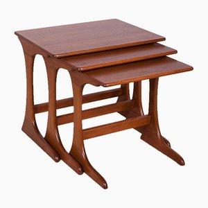 Tavolini ad incastro di Victor Wilkins per G-Plan, anni '70, set di 3