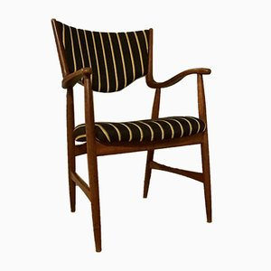Dänischer Mid-Century Armlehnstuhl im Stil von Finn Juhl