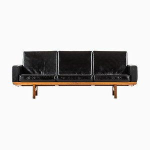 Model GE-236 Sofa by Hans Wegner for Getama, Denmark