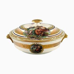 Zuppiera con coperchio in porcellana con scene romantiche di Royal Copenhagen