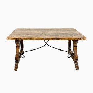 Mesa de comedor española antigua