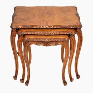 Mesas nido francesas de madera nudosa de nogal, años 20. Juego de 3