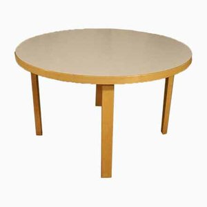 Mesa de centro modelo 91 vintage de abedul con linóleo blanco con patas en forma de l de Alvar Aalto para Artek