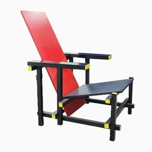 20th-Century Lacquered Wood Red & Blue Armchair in the style of Gerrit Rietveld, 1980s