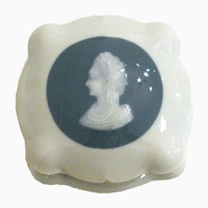 Cameo Medallion Porcelain Jewelry Box by C. Tharaud, 1940s