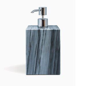 Seifenspender aus grauem Marmor in Quadratform von Fiammettav Home Collection, 2019