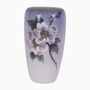 Vase Nr. 2630/1049 mit Rosen von Royal Copenhagen, 1966