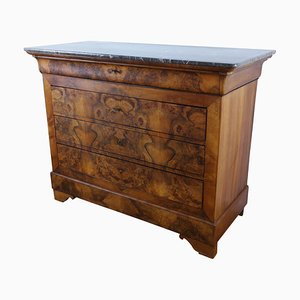 Walnut Chest of Drawers, 1830s