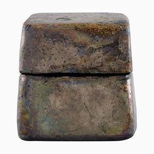 Deckelkrug aus glasierter Keramik mit metallischer Glasur