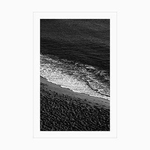 Impresión Giclée en blanco y negro de Sandy Shore con espuma, elegante en blanco y negro, 2021