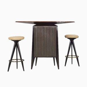 Mueble bar italiano Mid-Century y taburetes de bar. Juego de 3