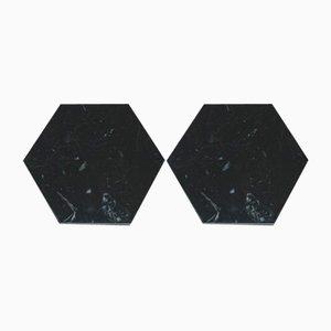 Sechseckige schwarze Untersetzer aus Marmor mit Korken von Fiammettav Home Collection, 2er Set