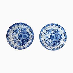 Assiettes en Céramique avec Décorations Florales Bleues par Delft, 1980s, Set de 2