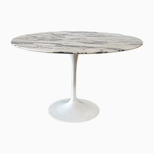 Mesa de comedor de Eero Saarinen, años 70