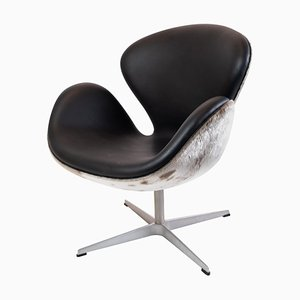 Model 3320 Swan Chair by Arne Jacobsen, 2002